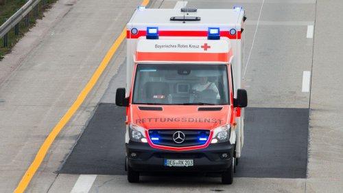 Reisebus überschlägt sich laut RBB auf A13 – mehrere Verletzte