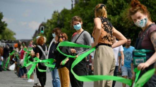 Breites Bündnis macht Front gegen Querdenker-Bewegung