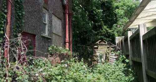 No-one has lived in this eyesore house for 13 years - now it's being renovated