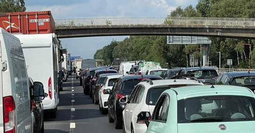 Live: Gridlock as M6 in North Staffordshire shut in both directions