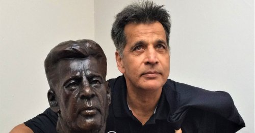Bust of Mo Chaudry unveiled by sculptor whose work includes Gandhi and Picasso