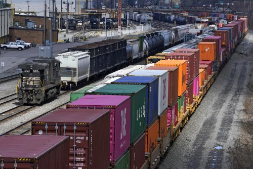 US rail industry defends safety record amid staffing cuts