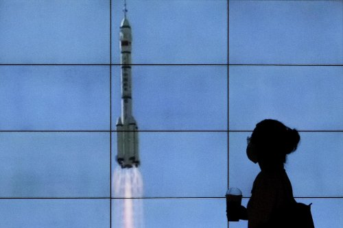 Chinese crewed spaceship docks with new space station