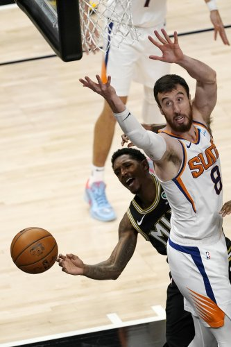 Capela, Hawks pull away late to take 135-103 win over Suns