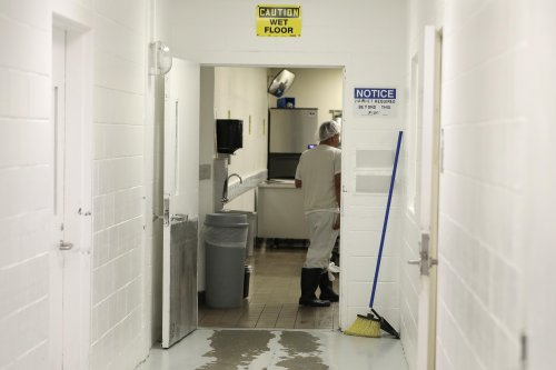 Mistrial halts case on minimum wage for immigrant detainees