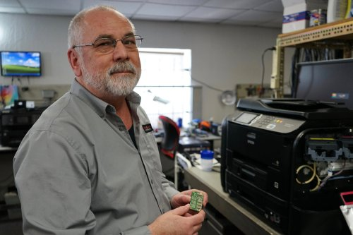 Big tech, Nevada repair shops clash over 'right to repair'