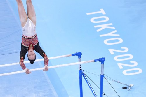 Olympics Latest: Derwael wins uneven bars, Lee gets bronze
