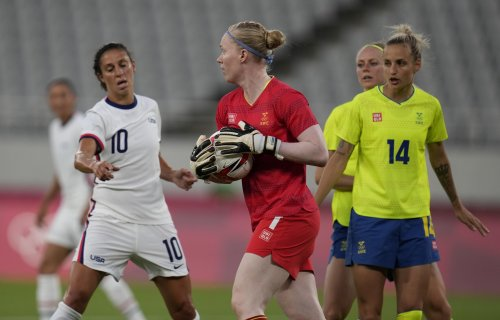 Lindahl is a steadying force in goal for Sweden at Olympics