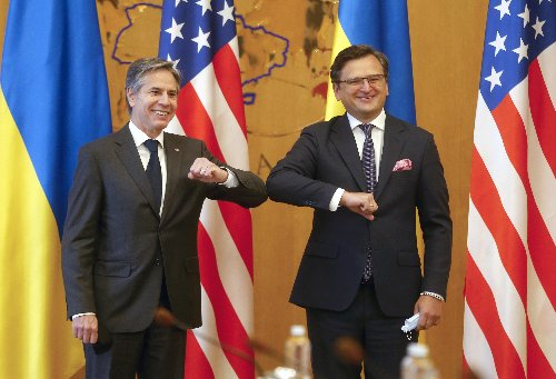 Ukraine wants aid, NATO support from Blinken's visit