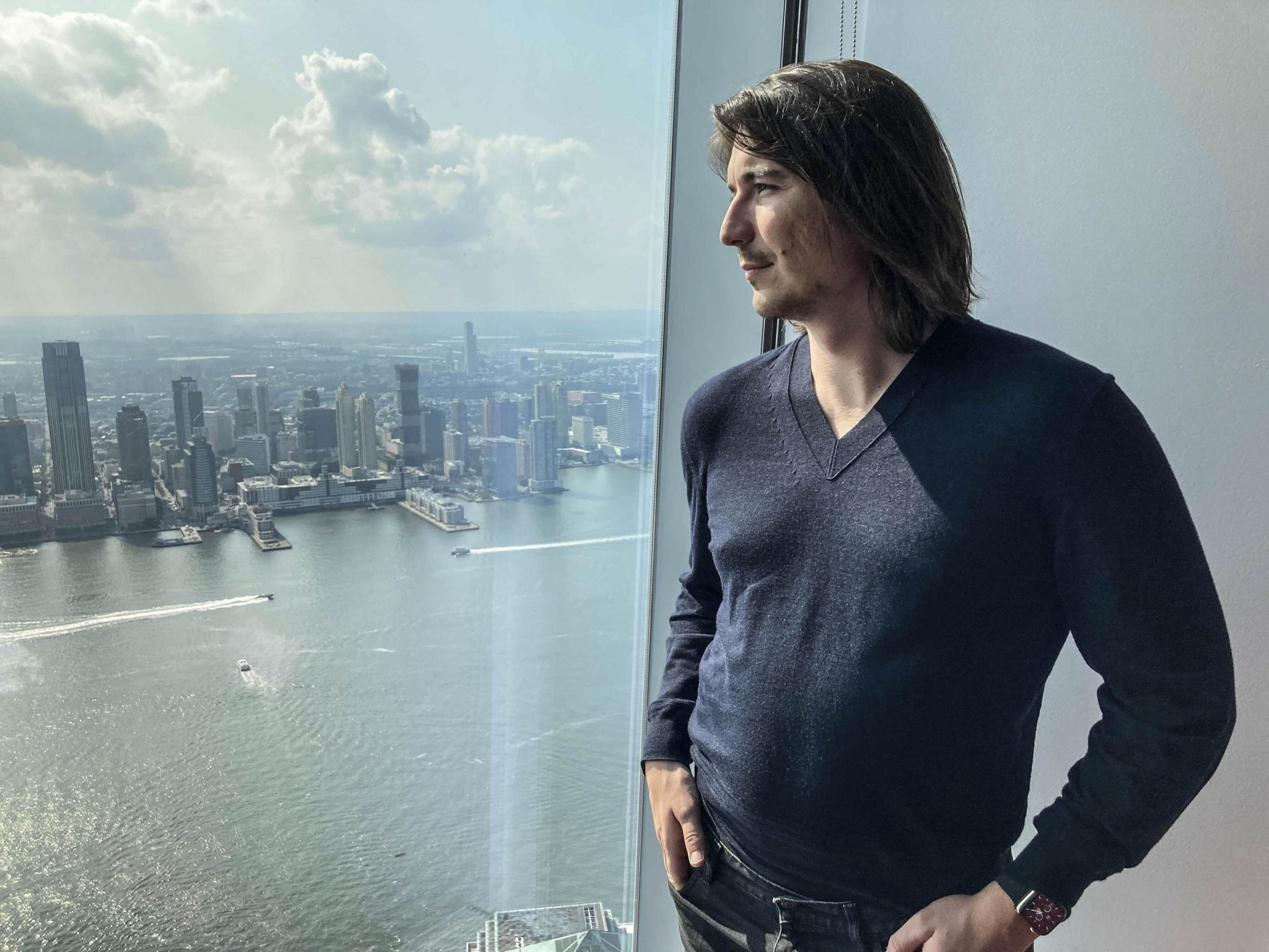 Robinhood CEO tells AP it's eyeing expansion beyond trading