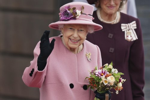 British queen appears to show irritation at climate inaction