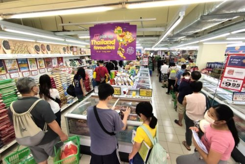 Long queues at some supermarkets as many wet markets affected by Jurong Fishery Port Covid-19 cluster