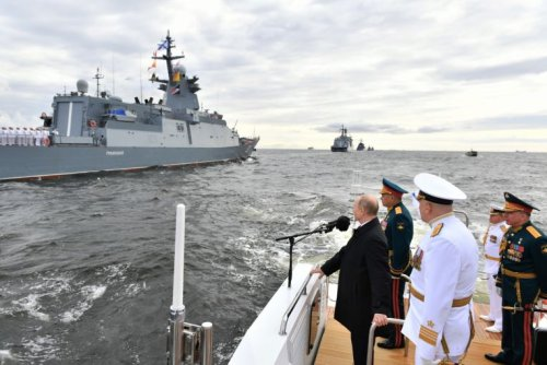 Putin reviews naval parade, touts Russia's hypersonic weapons