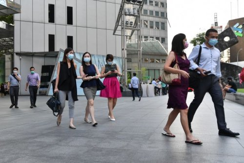 Some employees in S'pore still returning to workplace amid Covid-19 surge