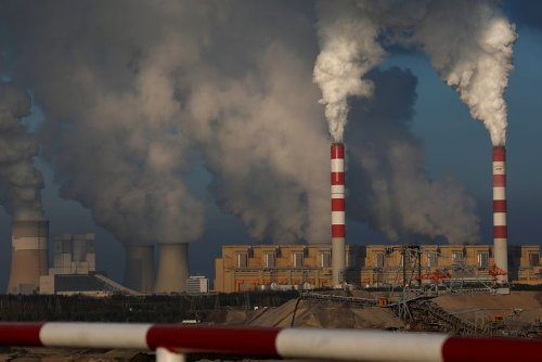 Global fossil fuel use similar to decade ago in energy mix, report says