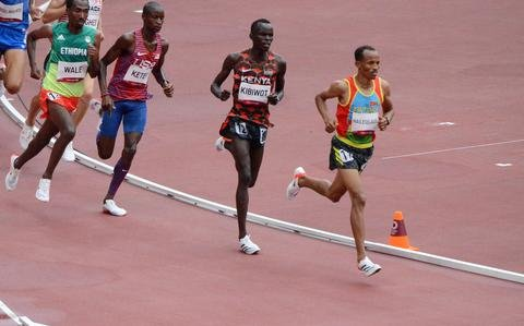 US soldier blasts through Olympic steeplechase field to qualify for final