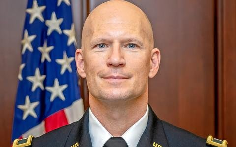 Army investigating death of colonel found unresponsive at Fort Leavenworth