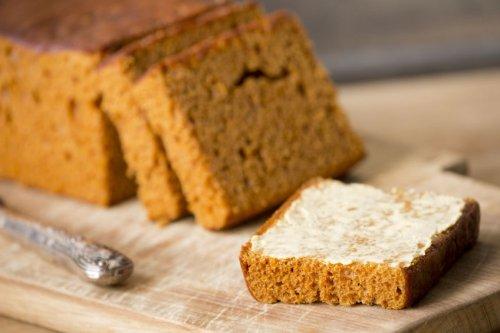 Ontbijtkoek: Dutch honey breakfast cake