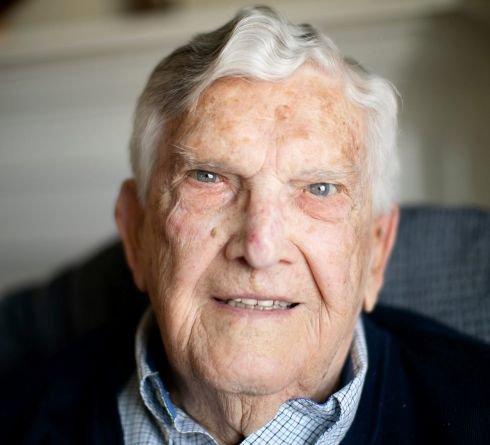World War II veteran establishes a $50,000 endowment for single parents