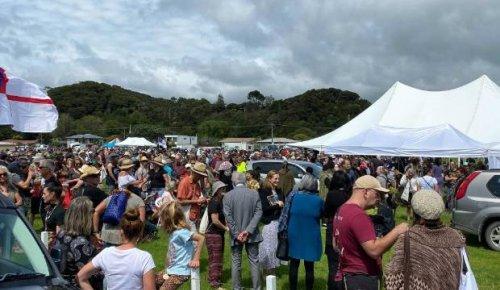 Covid-19: Thousands gather at Waitangi to support anti-lockdown hīkoi
