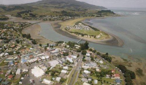 Anti-Covid border between Raglan and Hamilton 'should be investigated' - mayor