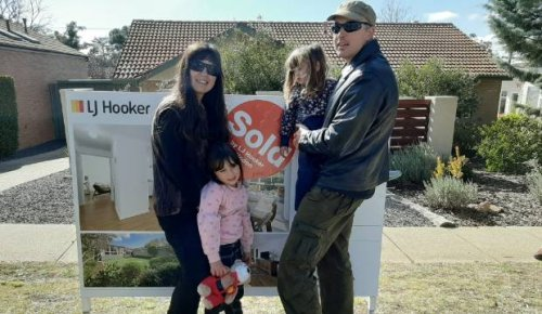 Covid-19: Family in limbo after selling Australian home, quitting job to start new life in Wellington