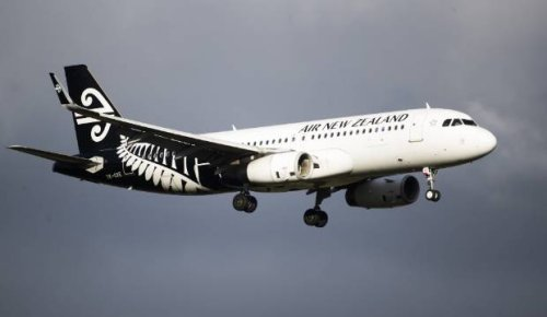 Air NZ holds on to staff despite bubble closure