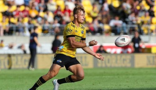 Super Rugby: 'He can break a game open': Hurricanes hope to catch Waratahs on hop