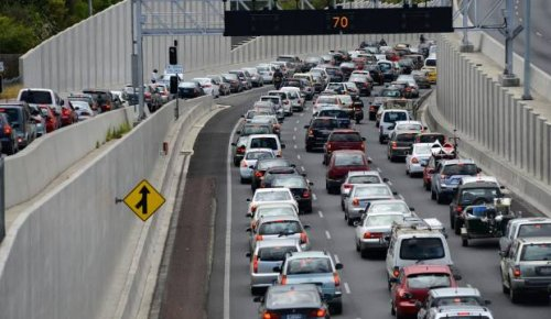Auckland traffic live: Rosedale Rd partially closed due to powerline issues