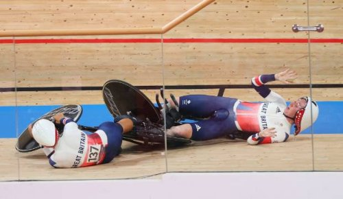 Tokyo Olympics: Great Britain breaks women's team pursuit world record, then crashes into each other