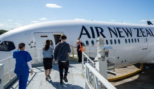 Super Saturday: Shirtless and shot in business class, Air NZ's 'Jabaseat' reviewed