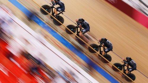 New Zealand denied spot in men's team pursuit final by record-breaking Italians