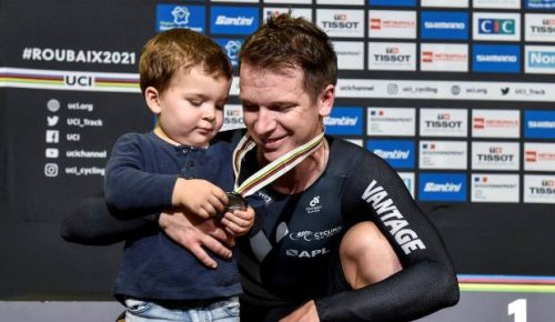 Aaron Gate scores silver medal in omnium at world track cycling championships