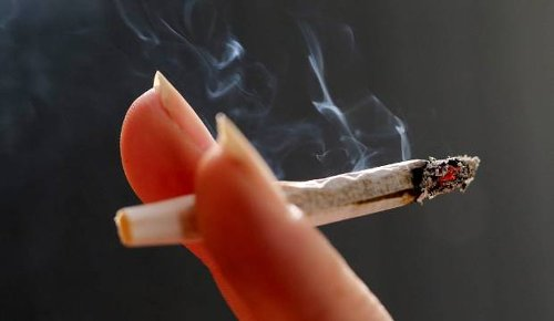 Smokefree 2025: Government proposals get a mixed reaction from smokers