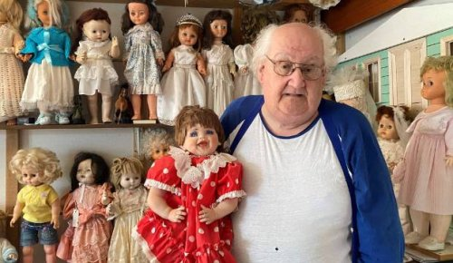 Northland 'Dolly doctor' rehoming his 10,000 dolls before he dies