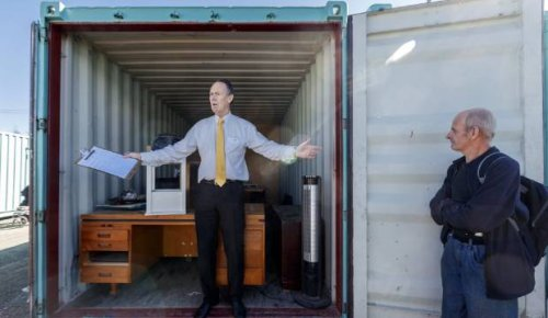 Former gold miner's clean sweep at Storage Wars-style auction