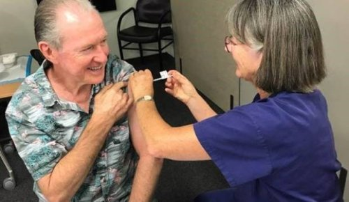 Covid-19: Unvaccinated over-65s asked to stay home when Auckland drops alert levels
