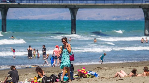 Warm spell across Aotearoa to linger in the north, as rain arrives in the south