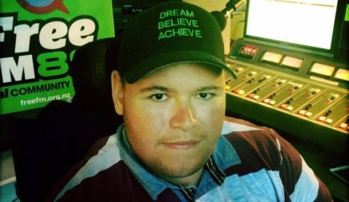 Inspiring sports writer and disability advocate Mike Pulman proposed to partner in final moments