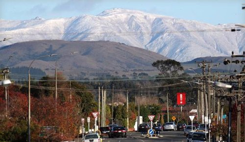Weather: Snow expected to blanket the far south, strong 130kmh gales forecast