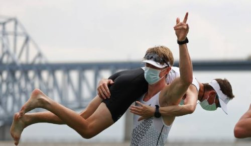 New Zealand men's rowing eight win gold, women claim silver at Tokyo Olympics