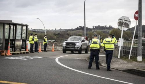 Covid-19: Man found hiding in car boot trying to leave Auckland in border breach