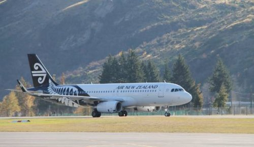 Covid-19: Stranded Australians baffled by lack of flights from Covid-free South Island