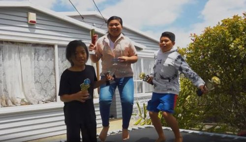 KEA Kids News: The Po'e Tofaono siblings are New Zealand's first Pasifika chess champions
