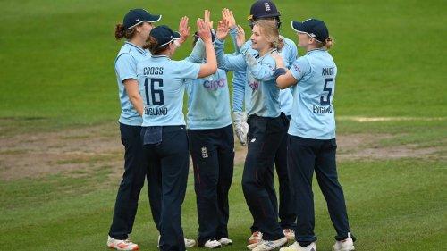 White Ferns let golden chance slip in losing second ODI against England