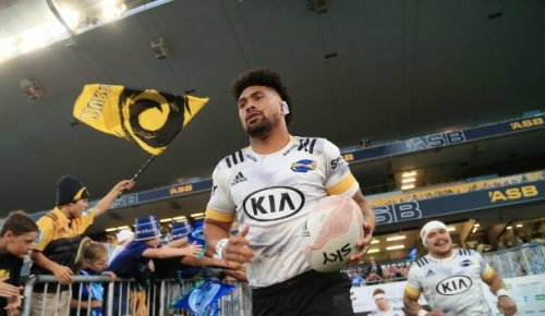 Super Rugby Aotearoa: Ardie Savea stays out of positional debate after another Hurricanes switch