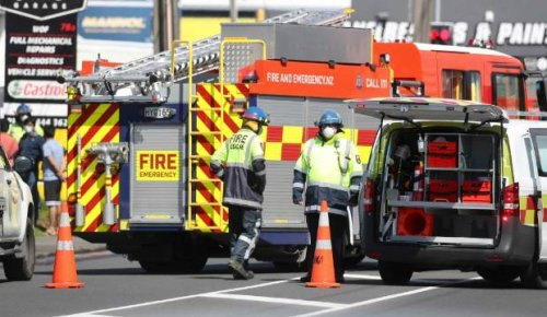 Fire crews contain industrial fire on Auckland's North Shore