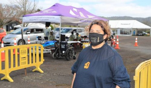 Prospect of Raro holiday helps lead hundreds to mass vaccination event