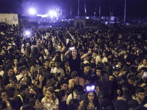 Polizeieinsätze in Spanien: Schwere Ausschreitungen bei Riesenpartys in Barcelona