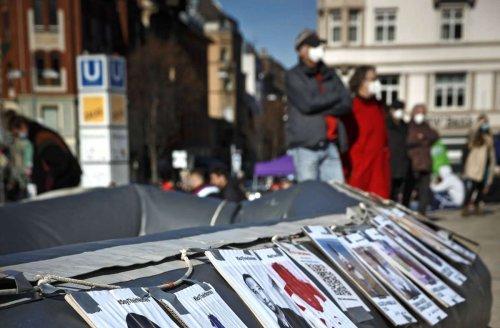 Kronprinzplatz in S-Mitte: Lager für Geflüchtete auf dem Kronprinzplatz
